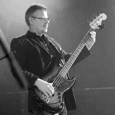 Heinz Cuhls, Bassgitarre
