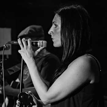 Anne Münch, Gesang